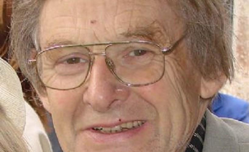 Obituary: STEPHEN ELLIS MEDCALF